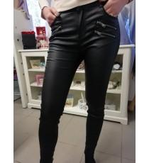 Nahaimitatsiooniga Mustad püksid