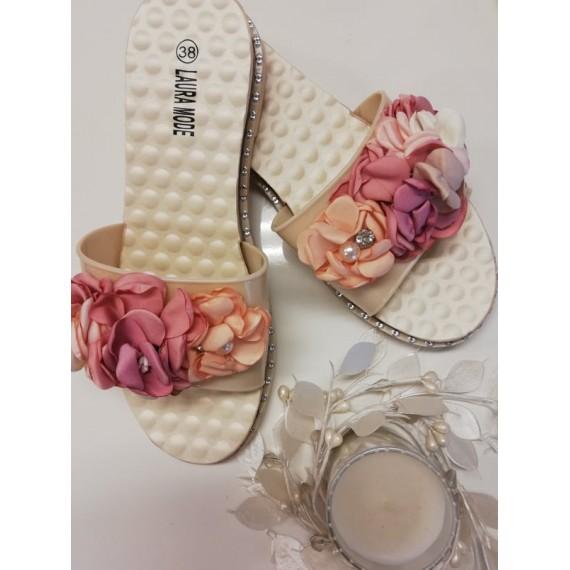 Rosetiga jalanõud