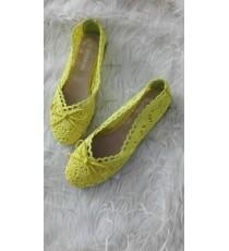 Kollased riidest naiste baleriinad