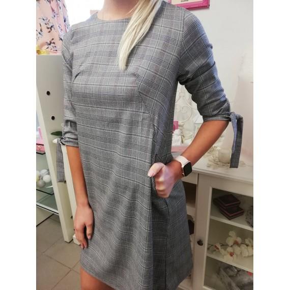 Ruuduline taskutega kleit